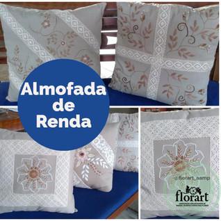 Almofada bordado livre com rendas de algodão