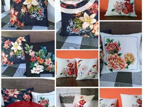 Almofadas com tecido aplicado