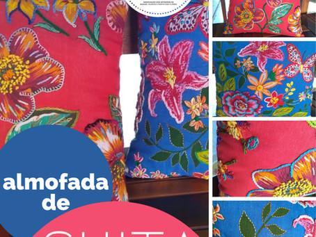 Almofadas de Chita bordadas à mão