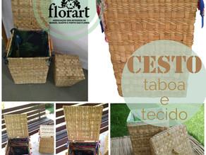 Cesto organizador feito com taboa trançada e tecido reciclado