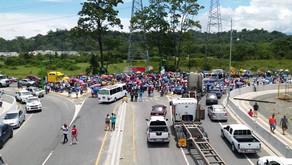 Más de 2000 personas se manifestaron en la ruta 32 esta mañana.