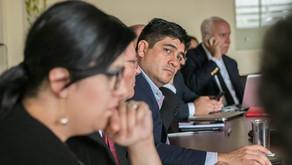 """""""No permitiremos actos de violencia"""" dice Carlos Alvarado, refiriéndose a situación en Limón."""