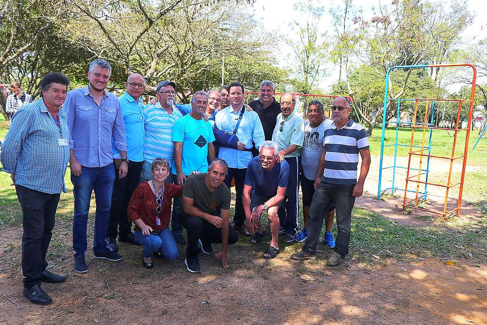 Ramiro Rosário e prefeito Nelson Marchezan na visita a praça João Faccio no Parque Santa Fé | Foto: Alex Rocha (PMPA)