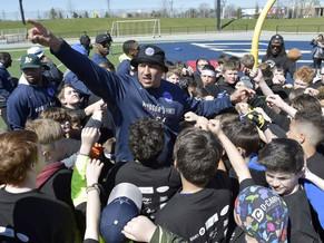 Hometown NFL hero Crawford brings joy to kids at football camp