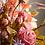 Thumbnail: Rozen boeket met blad en bessen