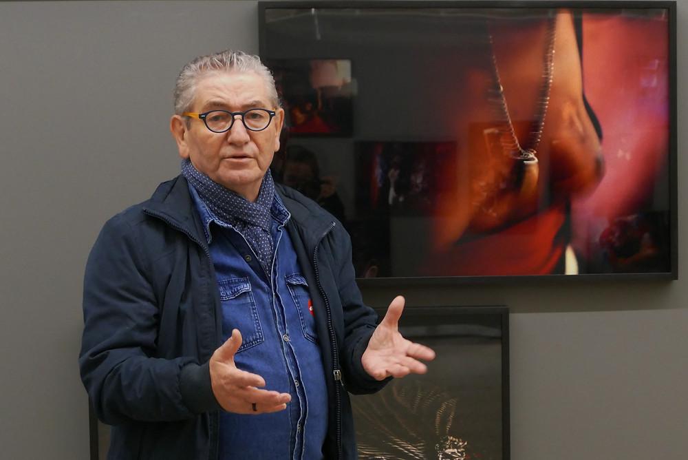 Emidio Luisi em visita à exposição