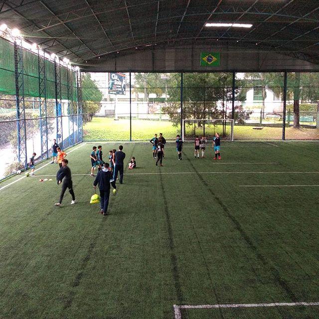 O treino continua, mesmo com chuva e fri