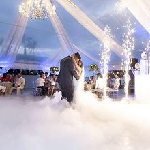 Hochzeitstanz auf Wolken Bodennebel