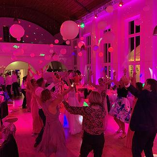 Hochzeits-DJ NRW Volle Tanzfläche Coole Party Alex Finger.jpg
