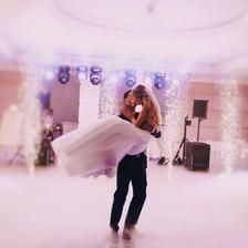 Hochzeit DJ Sparklers Indoorfeuerwerk elegant.jp
