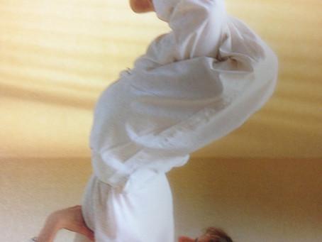 O脚を改善するポーズで日常の身体の動かし方を変化!