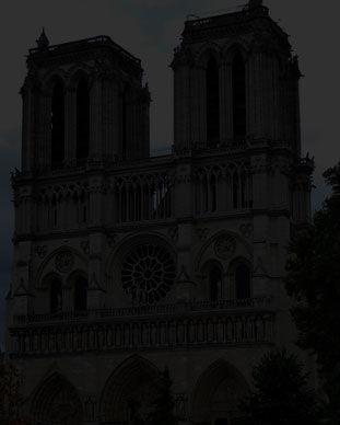 Scavenger hunt tour visit Notre Dame de Paris