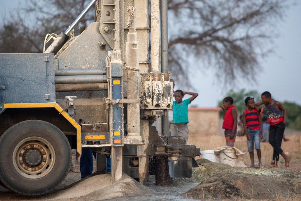 water drilling at Lulekani
