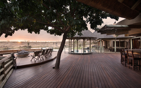 Viewing deck at Weaver's Nest Lodge