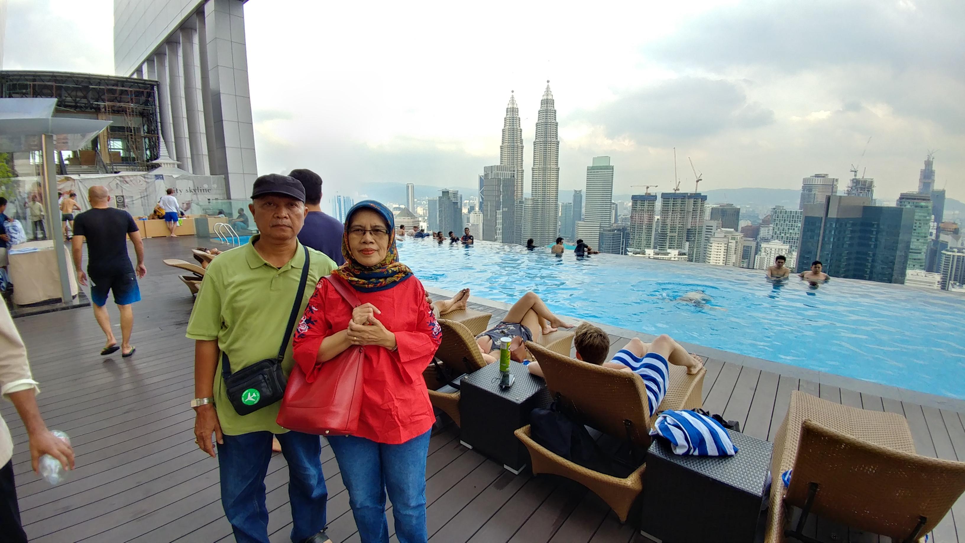 51 floor sky pool