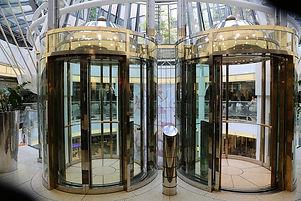 elevators-2400853_960_720.jpg