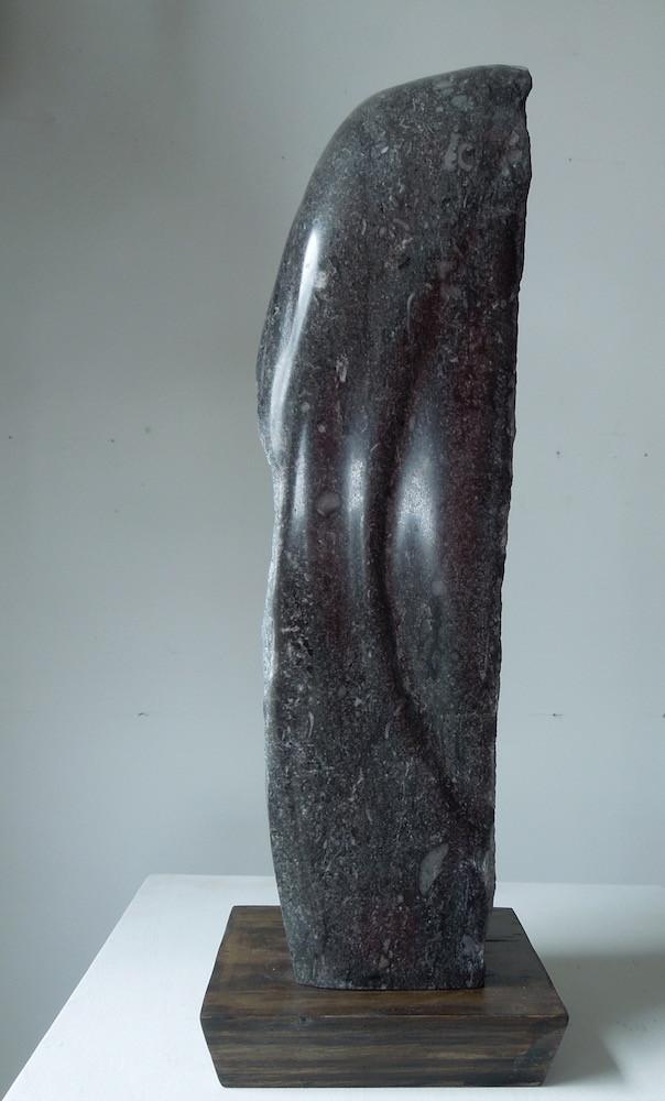 Black Stone, Homage to Isamu Noguchiside