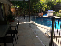 Frameless Glass Pool Fence (2).jpg