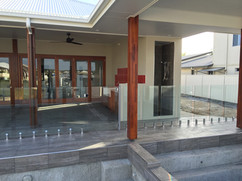Frameless Glass Pool Fence (2).jpeg