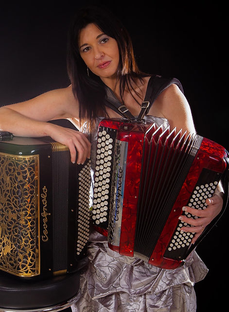 Jenny J. Accordéoniste France