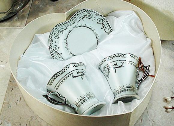 2H-008 - 4pc Espresso Set Silver Deco In Heart Box