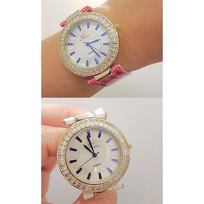 Reloj Dorado y Multicolor