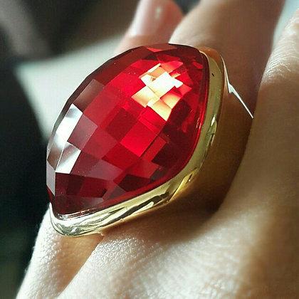 Anillo Dorado y Cristal Rojo