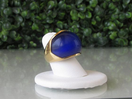 Anillo Dorado y Piedra Azul