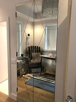 mirror doors .JPG