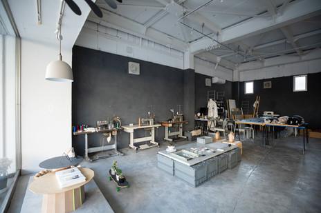東京から移住したデザイナー夫妻が桐生につくる「懐の深い場所」