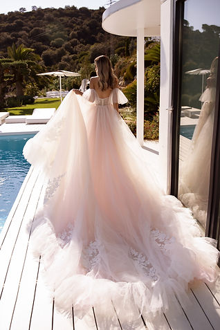 wedding-dress-ariana-back.jpg