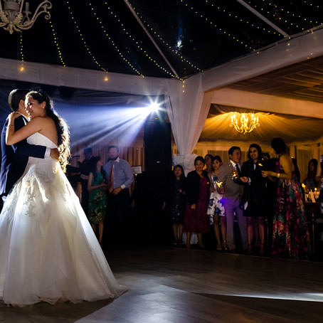 Velas, madera y luz! La boda de Norlys y David