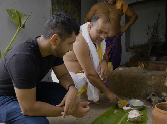 Sashi getting a behind the scenes look at how the Jagannath temple kitchen produces food for over 100,000 people every single day!