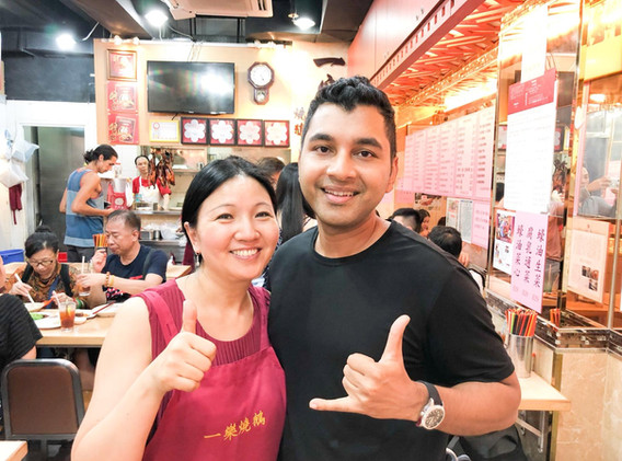 Sashi with the proprietor of Yat Lok Goose restaurant in Hong Kong, a Michein 1star rated restaurant!