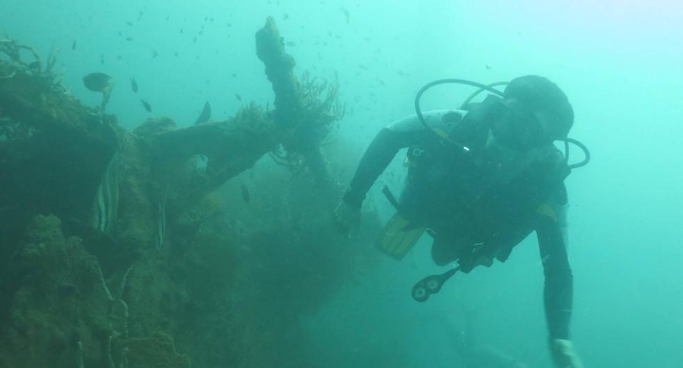 Exploring WWII wrecks in Coron, Philippines