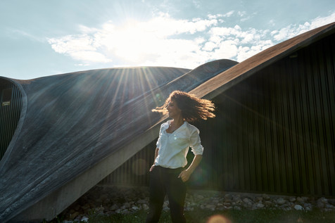 Backlighting, Beauty < Labels < Diego Alborghetti, Cloud, Digital compositing, Dress, Flash photography, Happy, Joy, Leisure, Light, Long hair < Labels < Diego Alborghetti, Mountain, Photography < Labels < Diego Alborghetti, Sky < Labels < Diego Alborghetti, Sunlight, Tree, Water, Wind, Wing, World