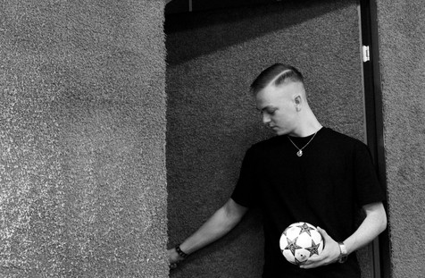 Ball, Black, Black-and-white, Flash photography, Monochrome, Monochrome photography, Photograph, Photography < Labels < Diego Alborghetti, Portrait, Snapshot, Standing, Stock photography, Street, Style, Wall, White