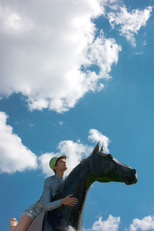 Cloud; Cumulus; Diego Alborghetti; Faces; Happy; Headwear; Horse; Labels; Meteorological phenomenon; Photography; Sky; Statue; Stock photography; Tourism; Vacation