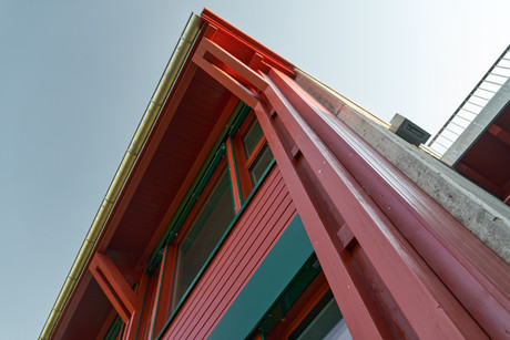 Architecture < Labels < Diego Alborghetti, Building, Facade, Home, House, Line, Material property < Labels < Diego Alborghetti, Metal < Labels < Diego Alborghetti, Pink < Labels < Diego Alborghetti, Red, Roof, Sky < Labels < Diego Alborghetti, Window, Wood