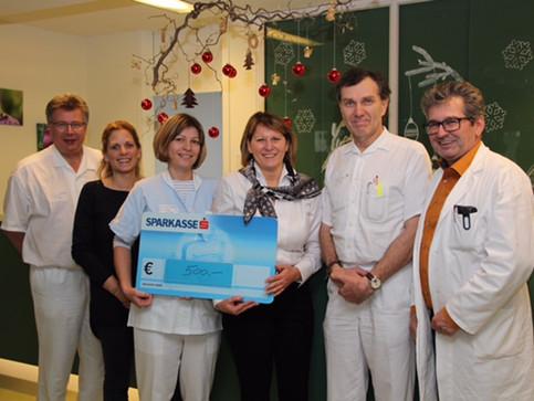 500 Euro-Spende für Palliativstation