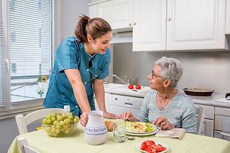 Aide aux repas à domicile