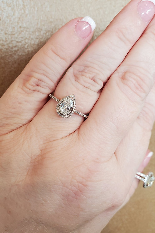 0.87ctw Diamond Pear Ring