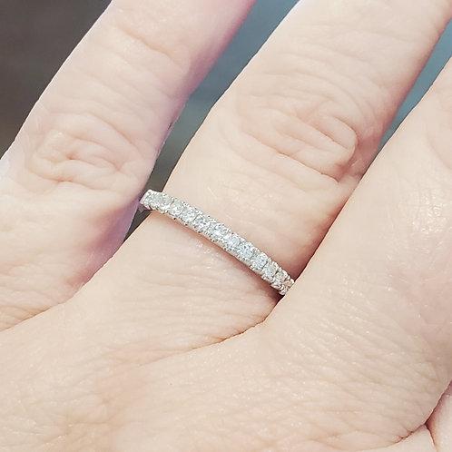 0.27ctw Diamond Wedding Band