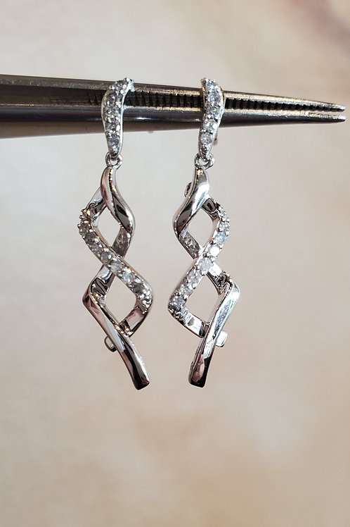 Twist Diamond Earrings
