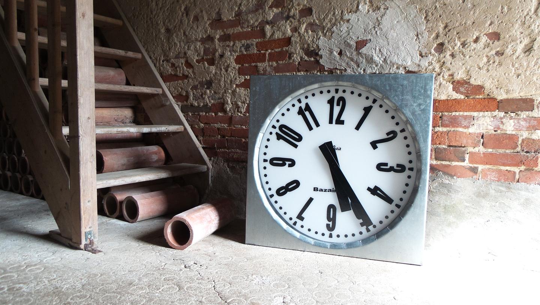 Horloge extérieure en zinc