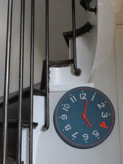 Horloge 40 cm, chiffre orange fluo