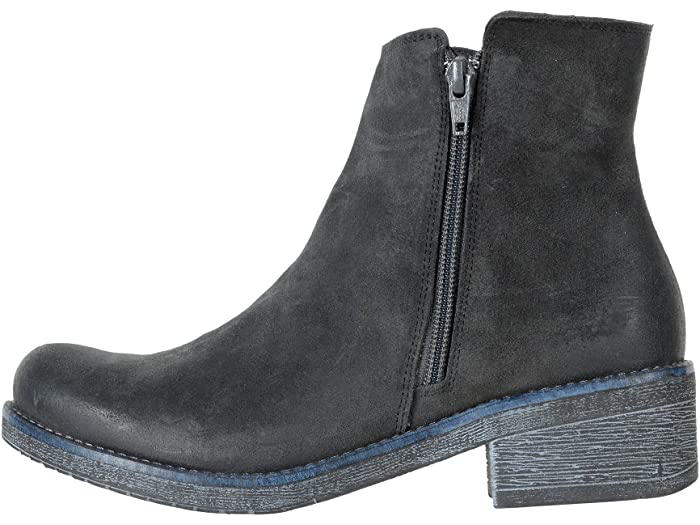 Wander Brushed Oily Midnight Suede