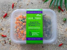 Strogonoff de Cogumelos com Arroz de Quinoa e Cenoura