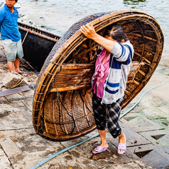 Bringing in the coracles