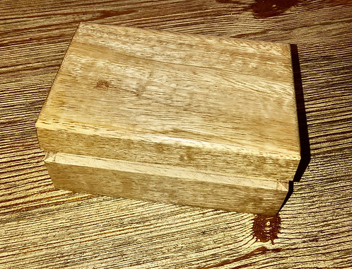 Light colored wood box 4x6""